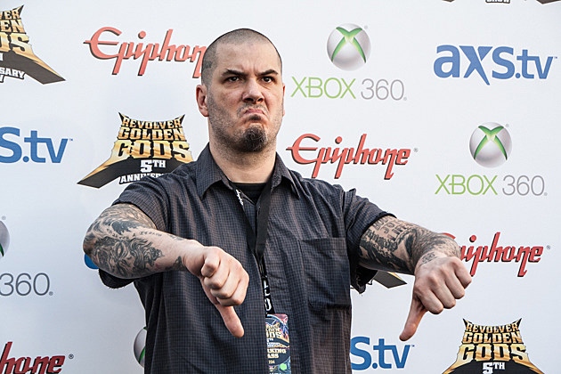 Phil-Anselmo-thumbs-down