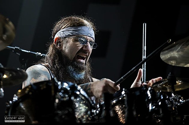 Mike Portnoy, photo by Robert Wilk